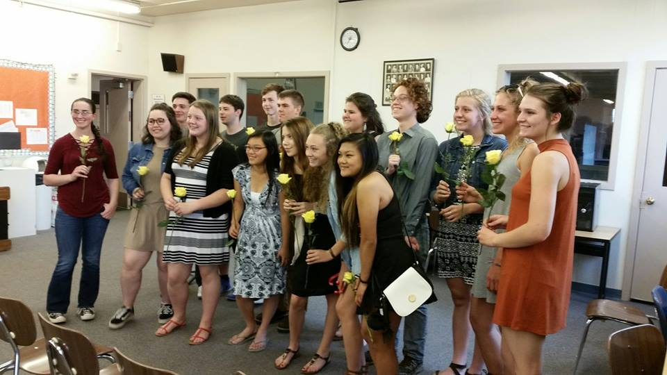 The+recent+inductees+to+National+Honors+Society