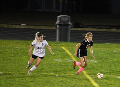 YC Girls Soccer Reaches Quarter-Finals